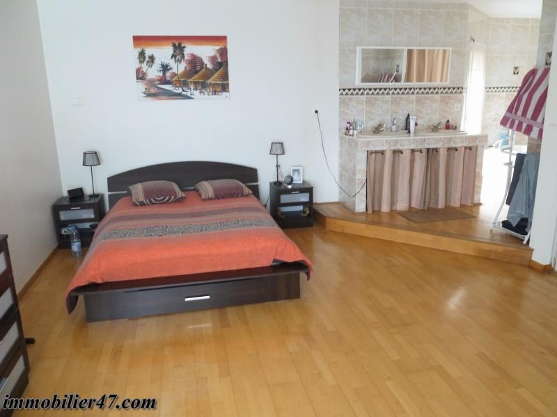 Sale house / villa Colayrac st cirq 319000€ - Picture 13