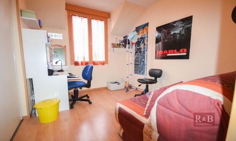 Sale house / villa Plaisir 335000€ - Picture 7