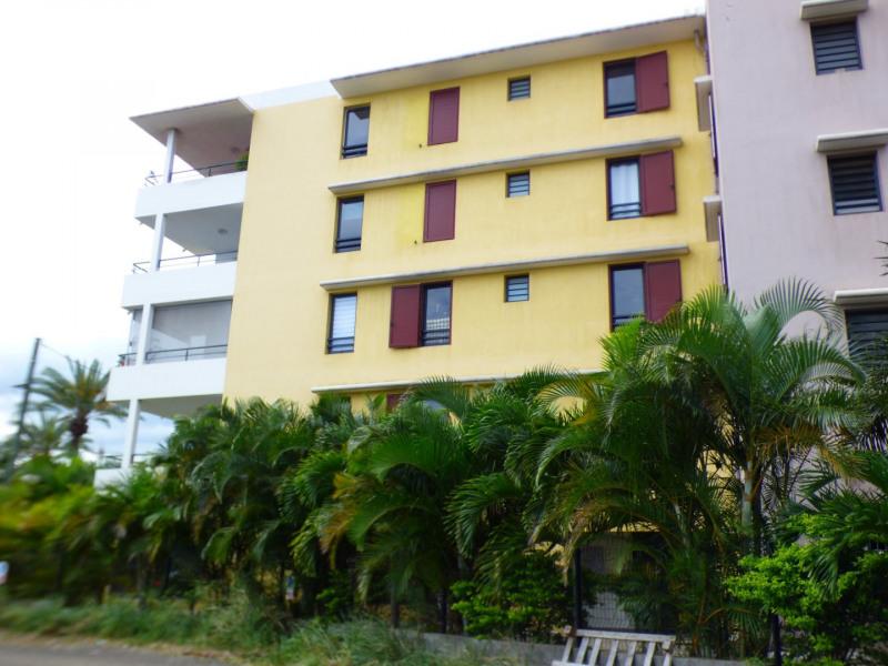 Sale apartment St pierre 119900€ - Picture 2