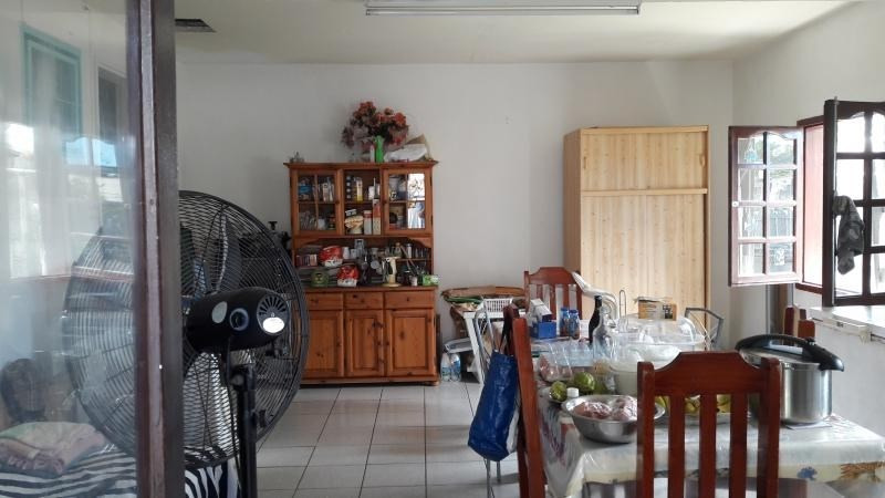 Sale house / villa Le port 152000€ - Picture 1