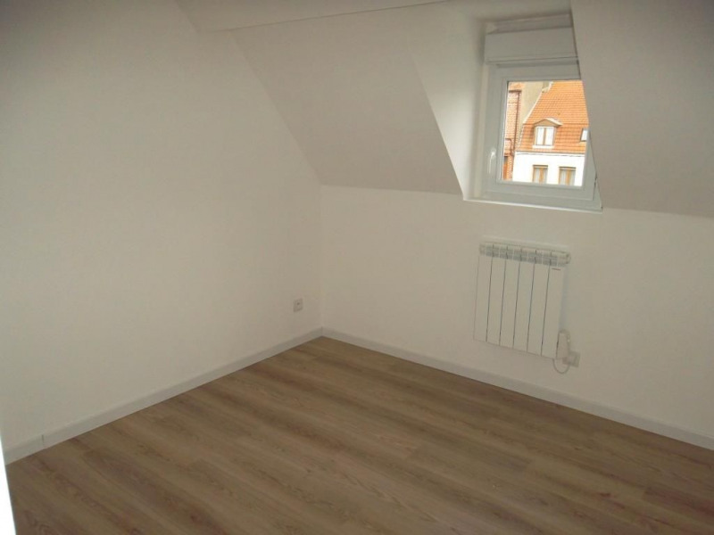 Location maison / villa Saint omer 471€ CC - Photo 4