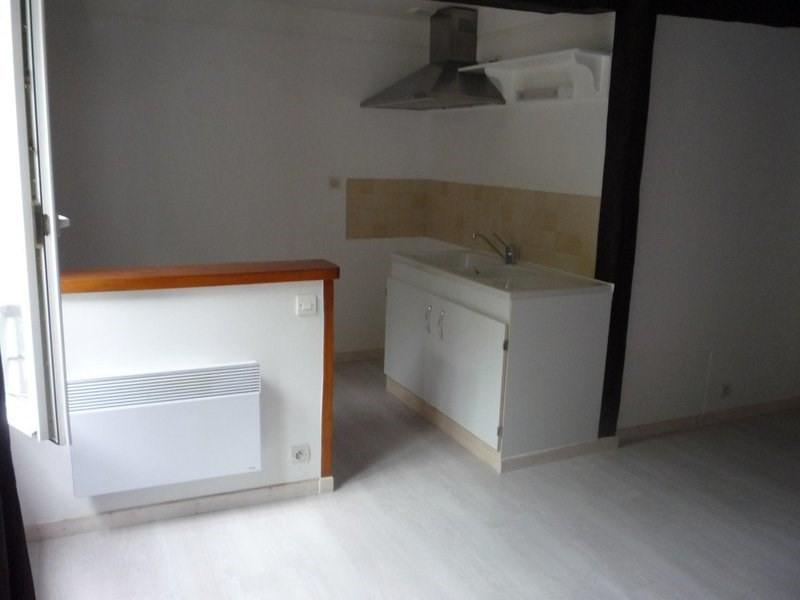 Location appartement Châlons-en-champagne 405€ CC - Photo 1