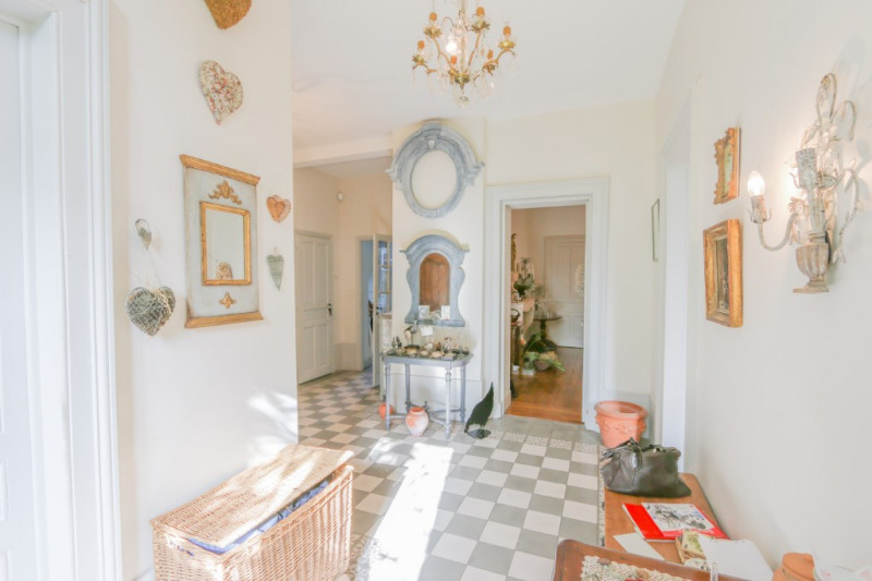 Deluxe sale house / villa Yenne 729 000€ - Picture 2