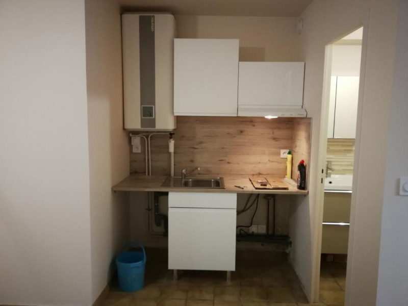 Location appartement Bruyeres-le-chatel 491€ CC - Photo 4