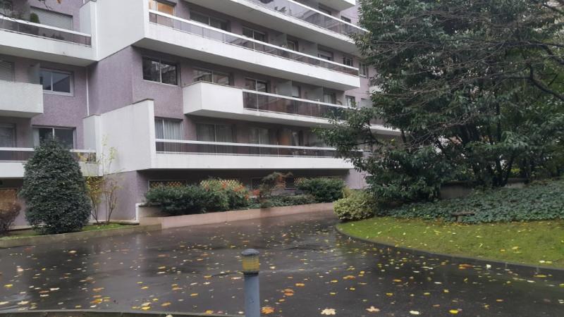 Revenda apartamento Paris 15ème 990000€ - Fotografia 5