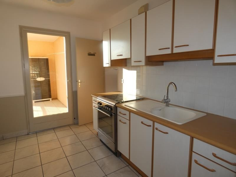 Rental apartment Montelimar 810€ CC - Picture 1