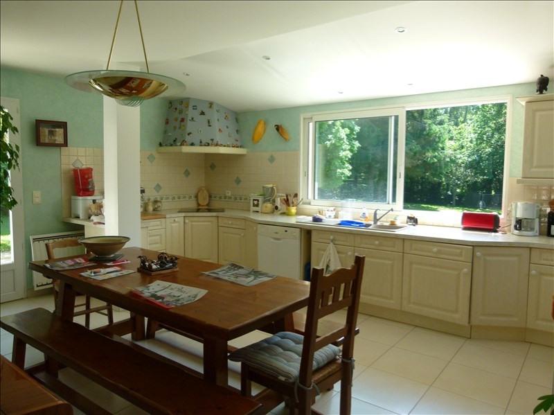 Sale house / villa Montfort-l'amaury 390000€ - Picture 5