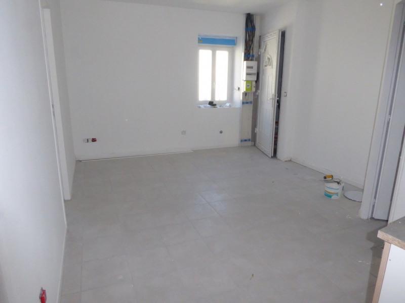 Location appartement Saint-étienne-de-fontbellon 490€ CC - Photo 2