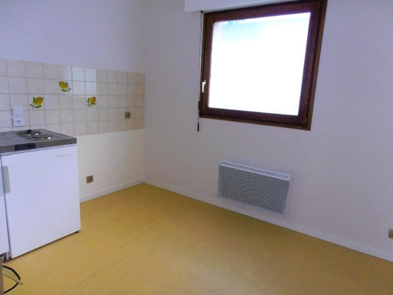 Location appartement Nantua 342€ CC - Photo 2