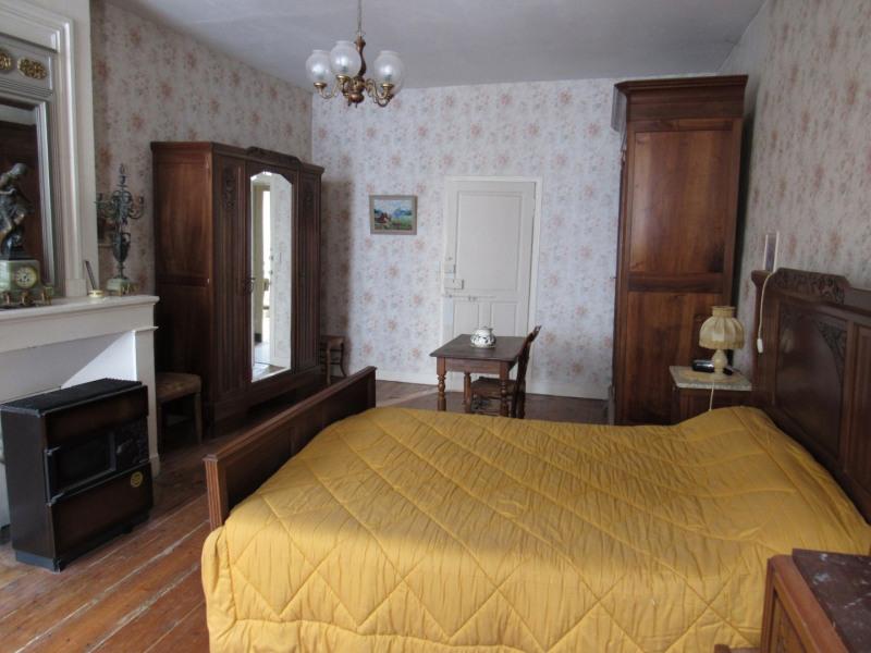 Sale house / villa Saint jean d4angely 127500€ - Picture 7