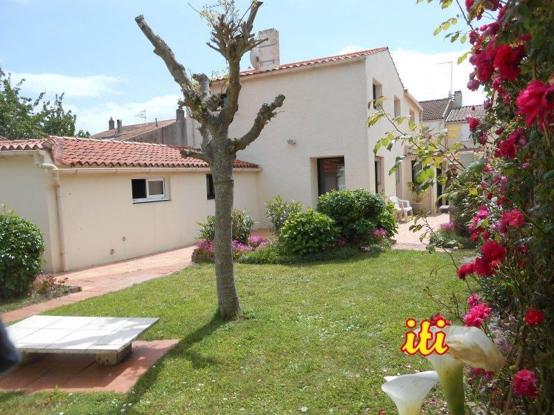 Sale house / villa Les sables d'olonne 325500€ - Picture 10