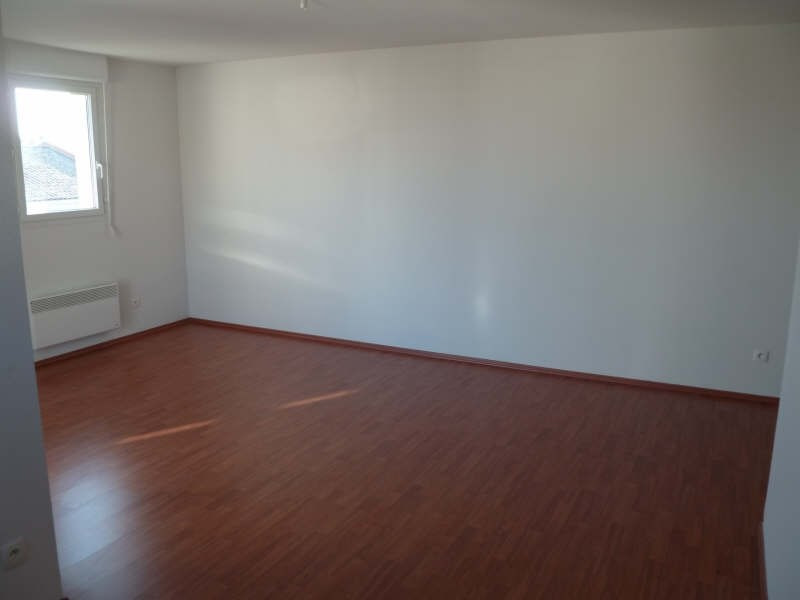 Rental apartment Seilh 639€ CC - Picture 3