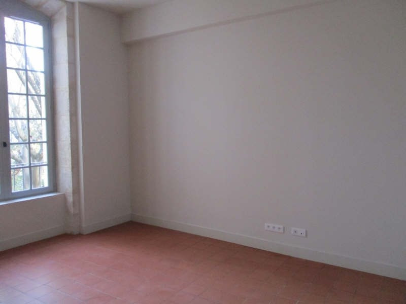Location appartement Nimes 606€ CC - Photo 2