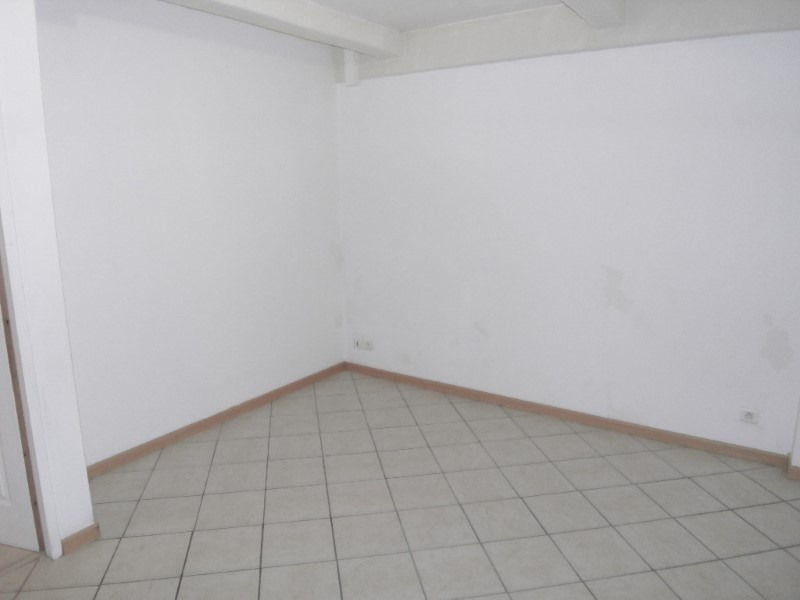 Rental apartment Cognac 388€ CC - Picture 4