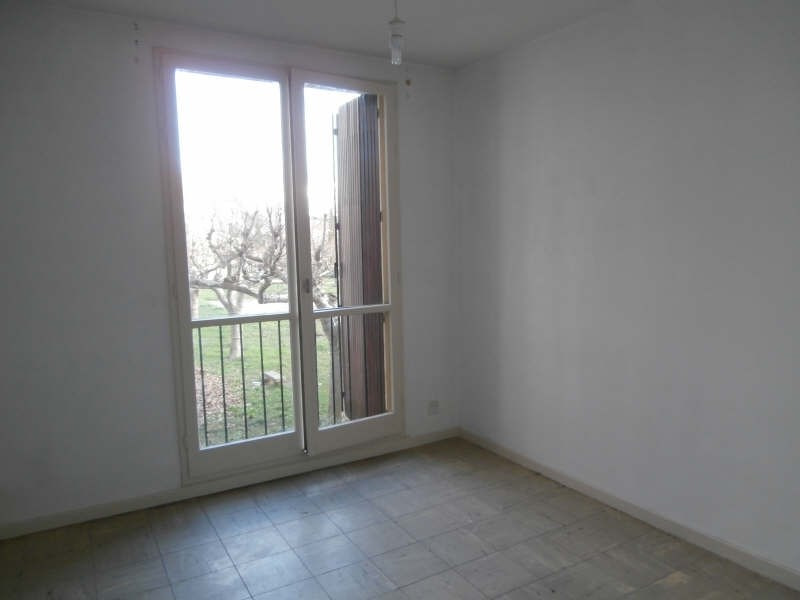 Rental apartment Salon de provence 610€ CC - Picture 4