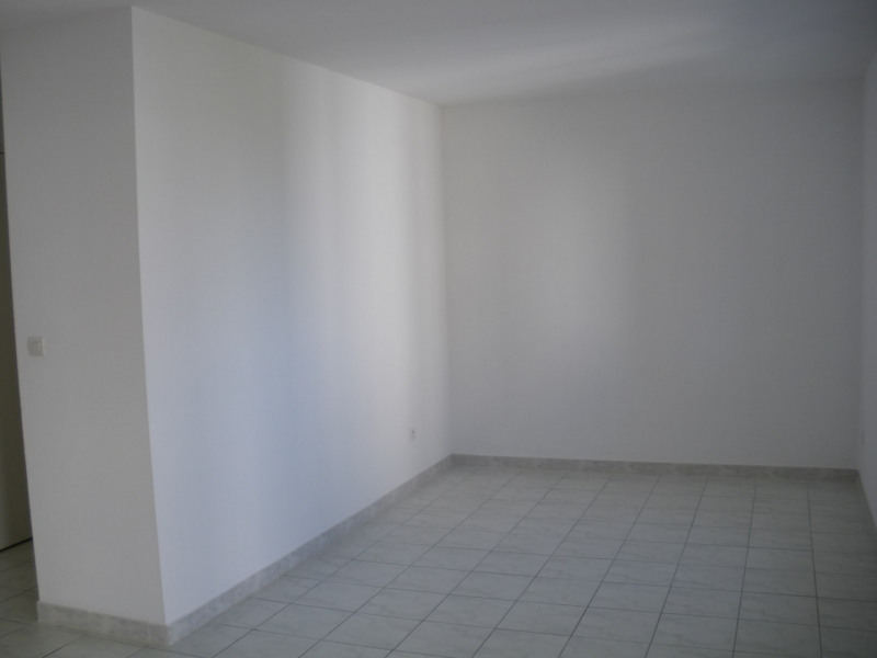 Location appartement Fréjus 545€ CC - Photo 5