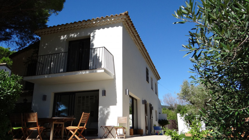 Vacation rental house / villa Cavalaire sur mer 2 500€ - Picture 3