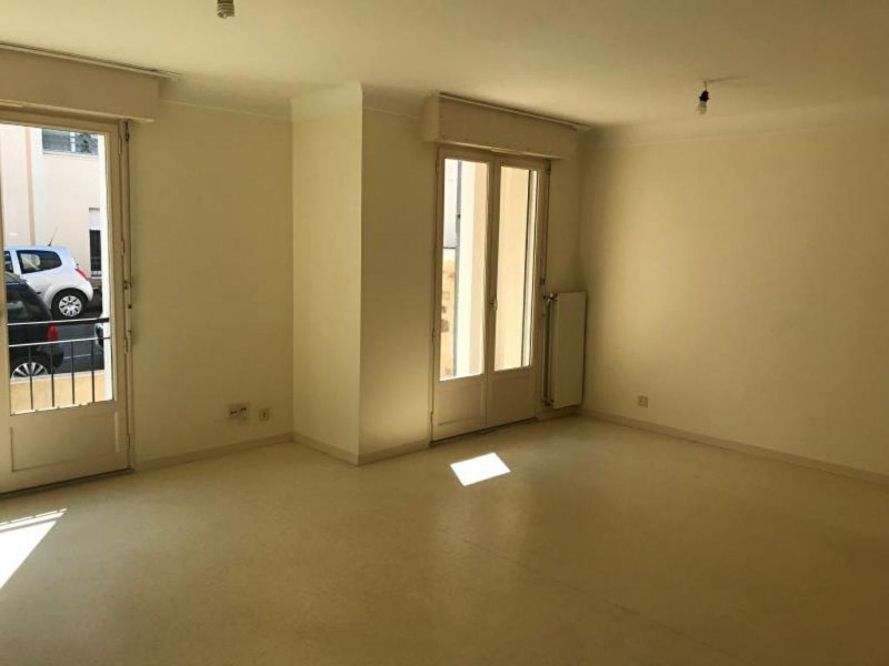 Rental apartment La roche sur yon 471,42€ CC - Picture 2
