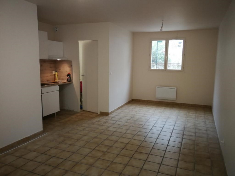 Location appartement Bruyeres-le-chatel 491€ CC - Photo 2