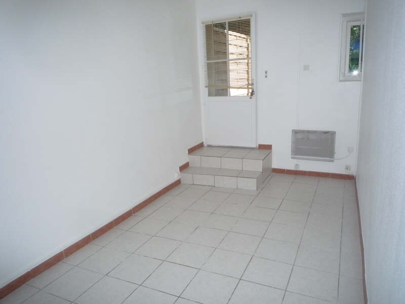 Rental house / villa La barben 699€ CC - Picture 5