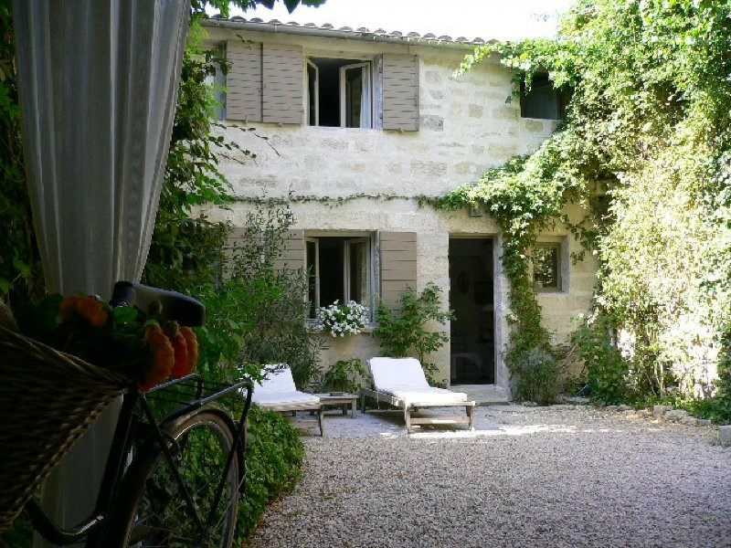 Sale house / villa Barbentane 500 000€ - Picture 1