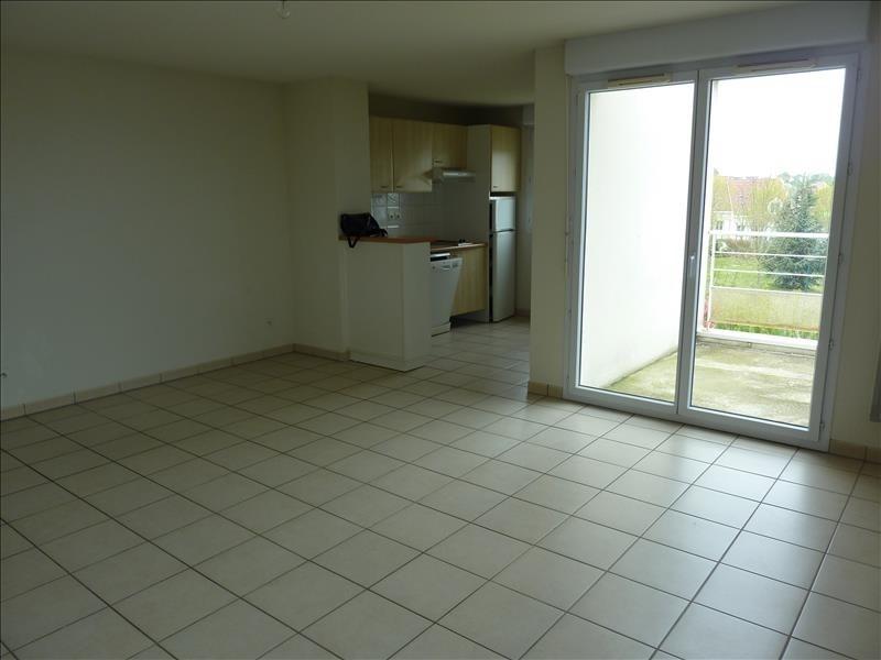 Rental apartment Vendome 529€ CC - Picture 2