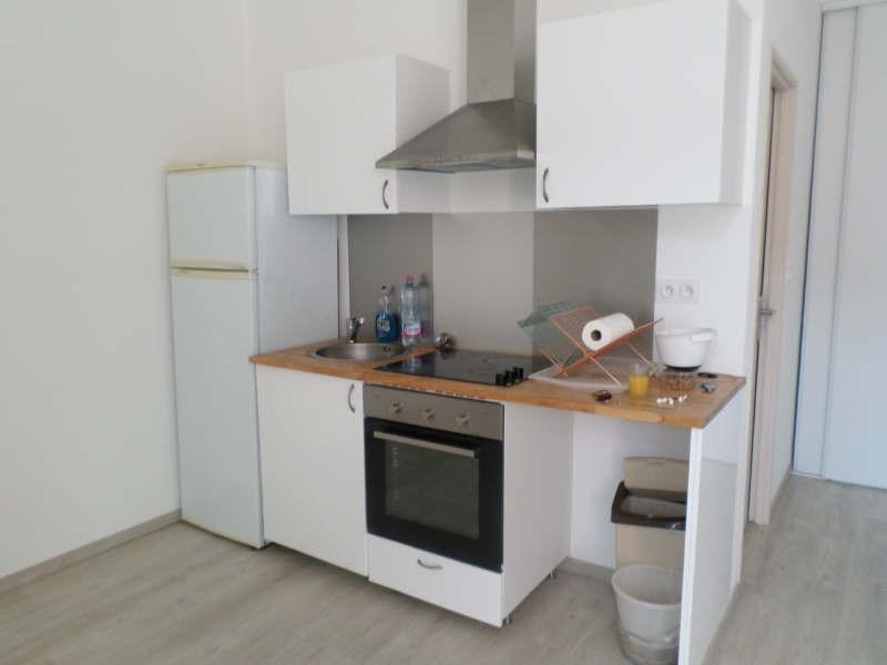 Rental apartment Salon de provence 452€ CC - Picture 3