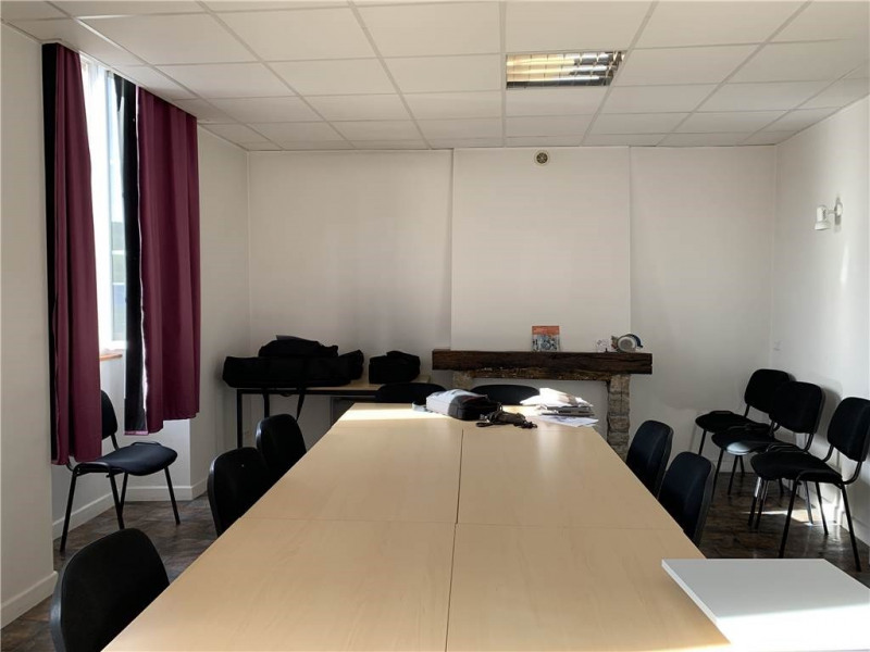 Location local commercial Onet-le-chateau 737€ CC - Photo 2
