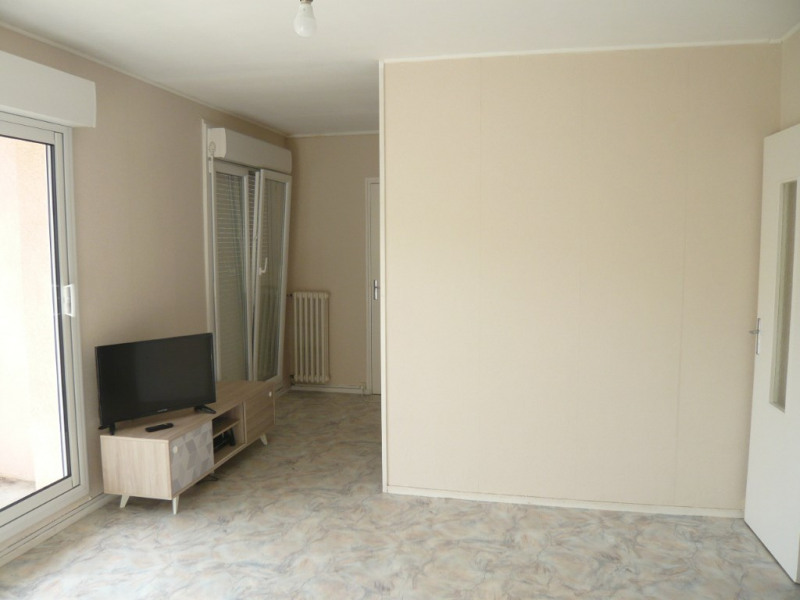 Rental apartment Laval 430€ CC - Picture 4