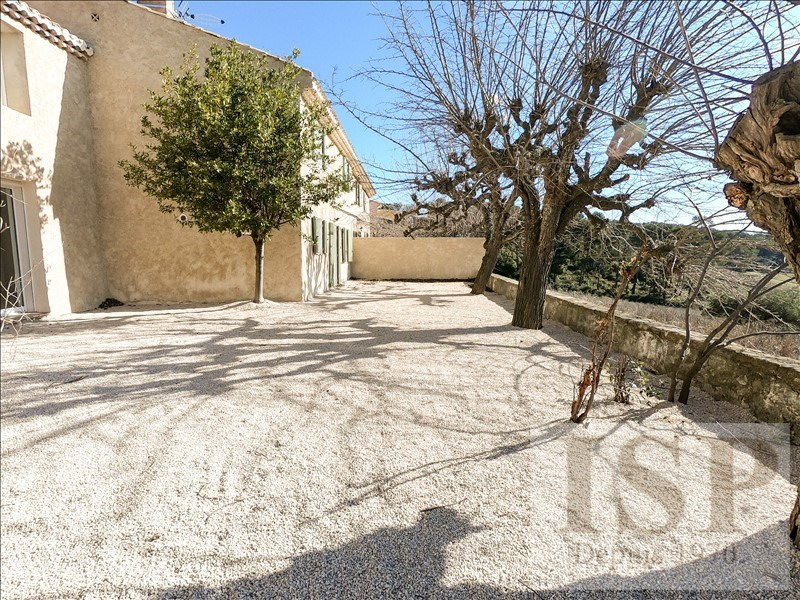 Rental house / villa Les milles 2 085€ CC - Picture 1