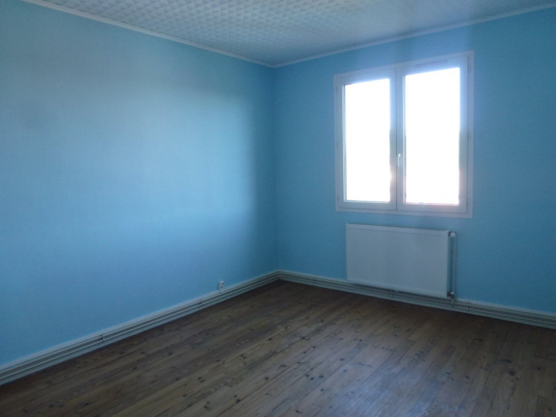 Rental apartment St uze 450€ CC - Picture 6