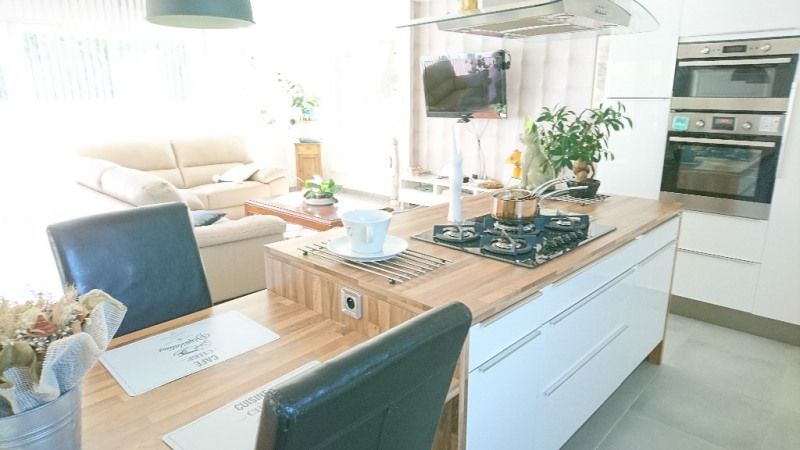 Revenda casa Velleron 411000€ - Fotografia 9