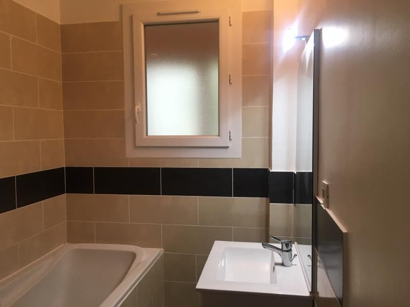 Location appartement Salon de provence 960€ CC - Photo 8