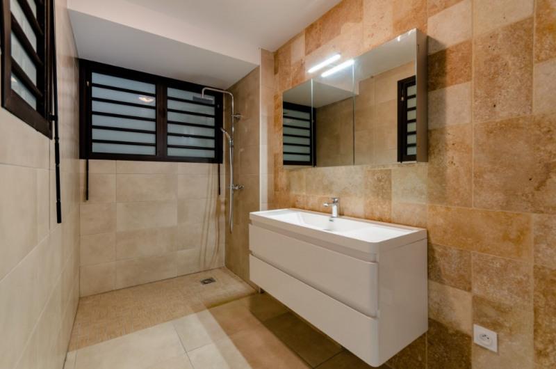 Rental apartment Saint pierre 885€ CC - Picture 4