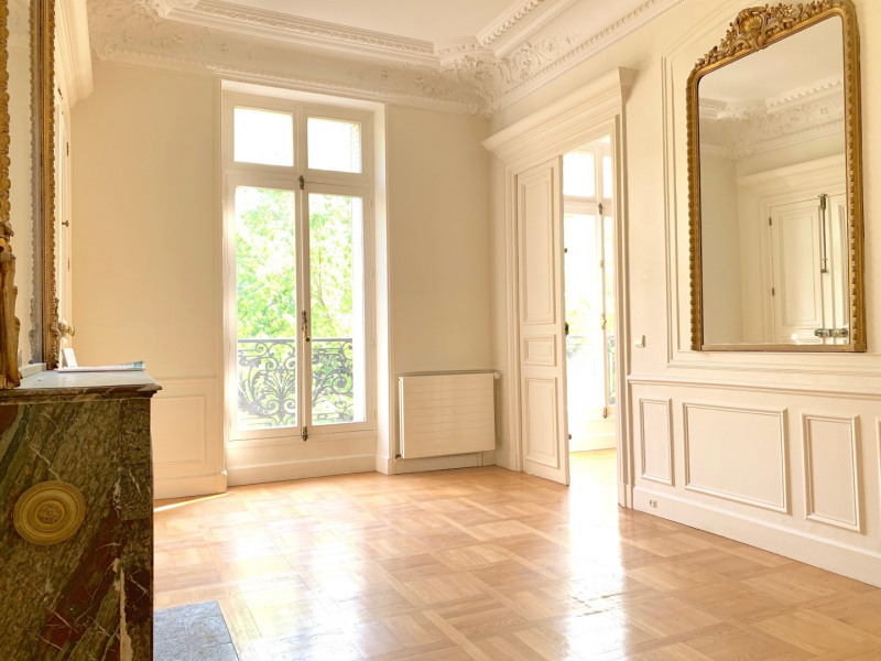 Location appartement Paris 10ème 4 500€ CC - Photo 4