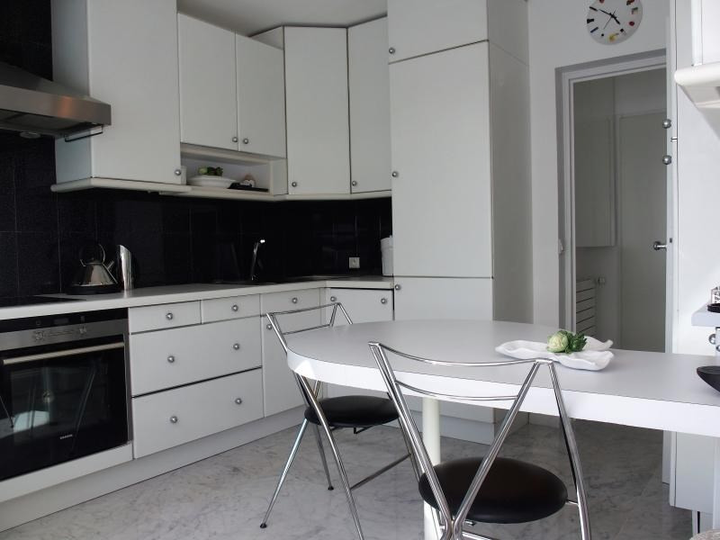 Deluxe sale apartment Annemasse 450000€ - Picture 6