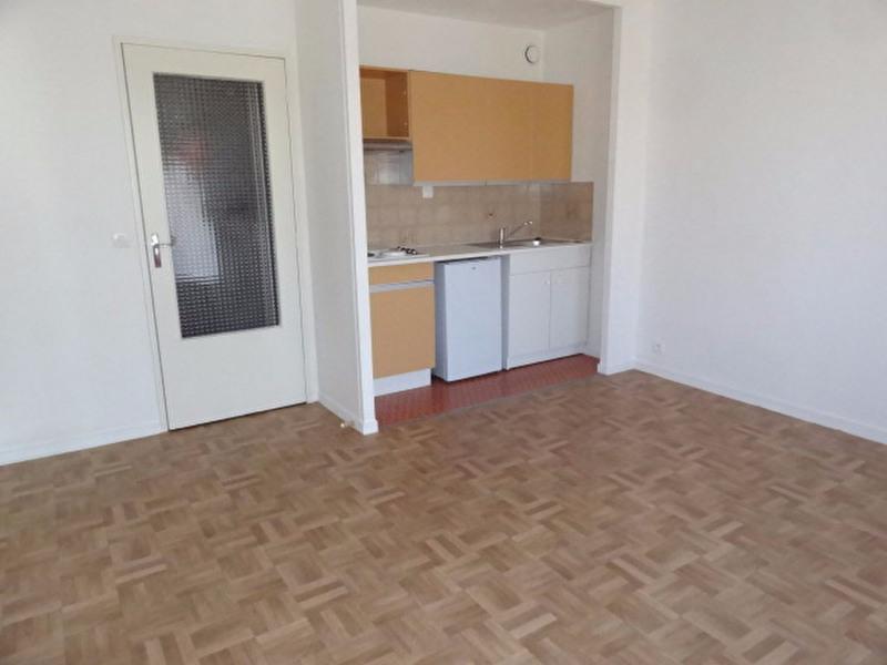Rental apartment Montargis 435€ CC - Picture 6