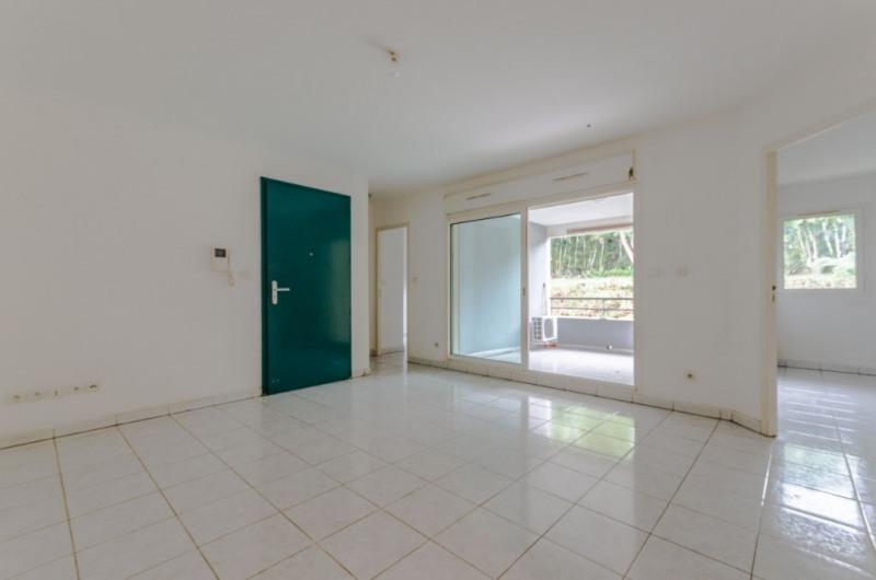 Sale apartment Saint pierre 128000€ - Picture 1