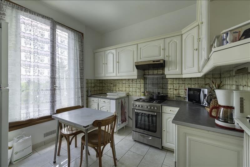 Sale house / villa Villeneuve le roi 220000€ - Picture 4