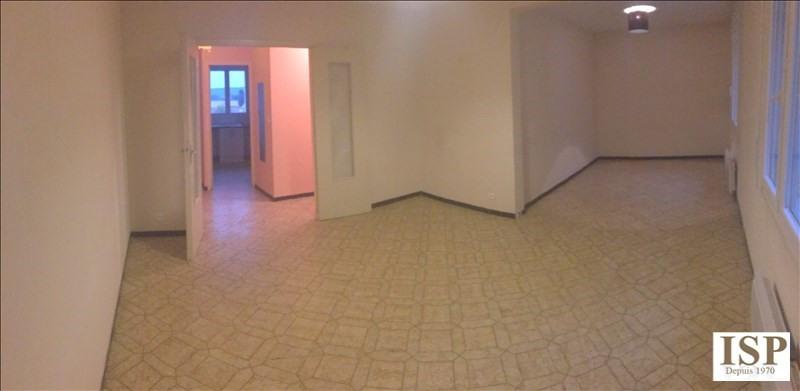 Rental apartment Velaux 884€ CC - Picture 1