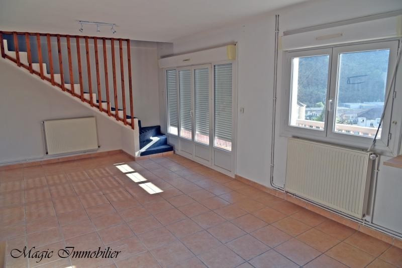 Location appartement Nantua 640€ CC - Photo 2