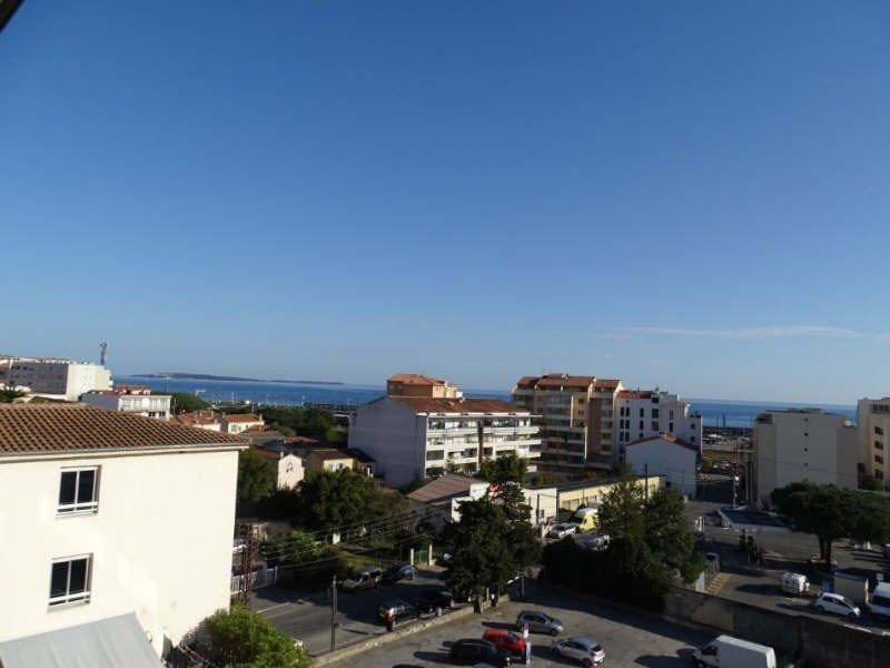 Sale apartment Cannes la bocca 212 000€ - Picture 2