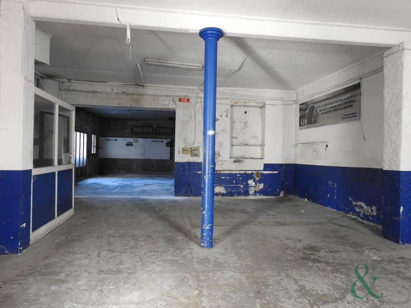 Sale empty room/storage La londe les maures 399000€ - Picture 2
