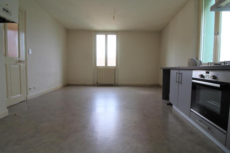 Verhuren  appartement Voiron 507€ CC - Foto 1