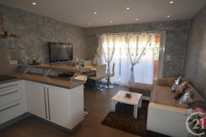 Sale apartment Antibes 248 000€ - Picture 2