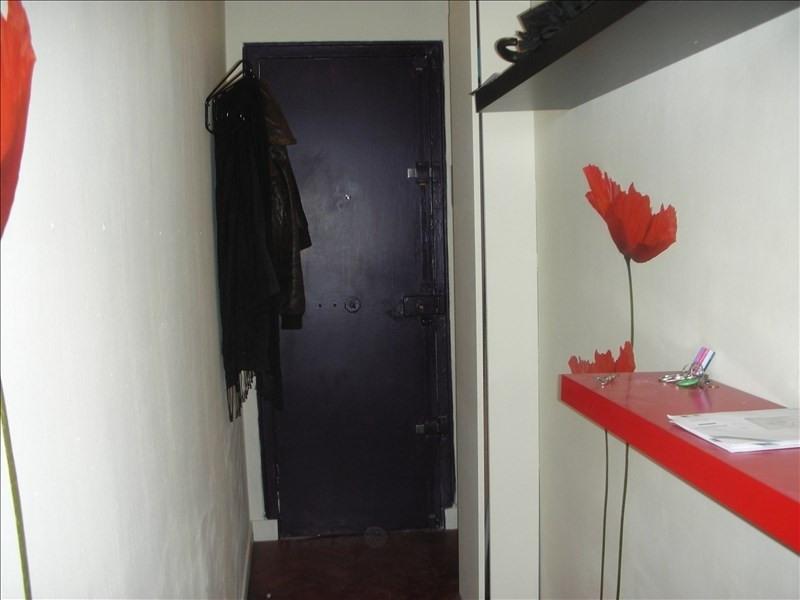 Locação apartamento Paris 18ème 878€ CC - Fotografia 5