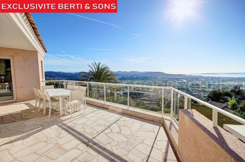 SOLE AGENCY - EXTREMELY WELL KEPT VILLA WITH SEA VIEW IN MANDELIEU
