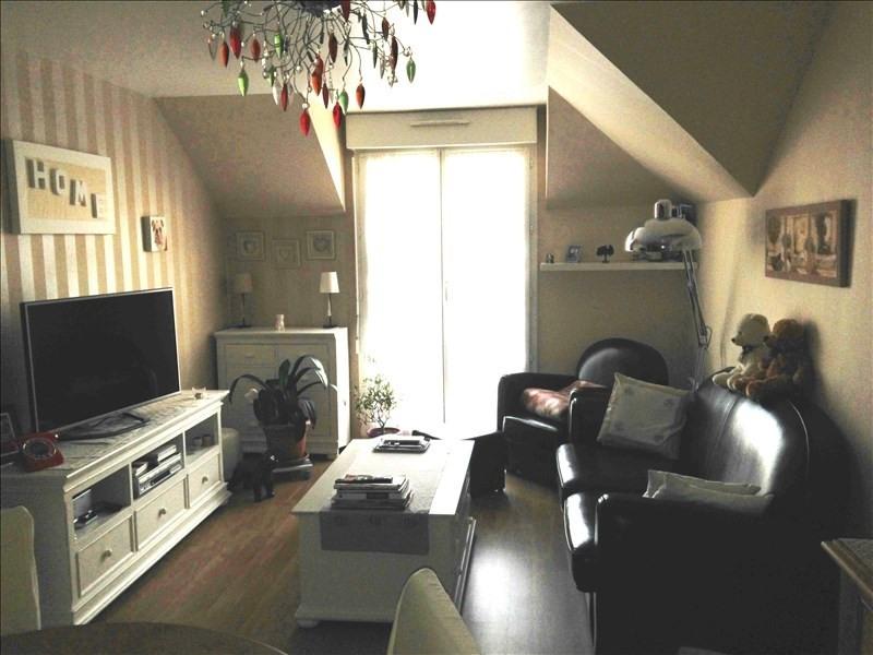 Rental apartment Le plessis pate 738€ CC - Picture 2
