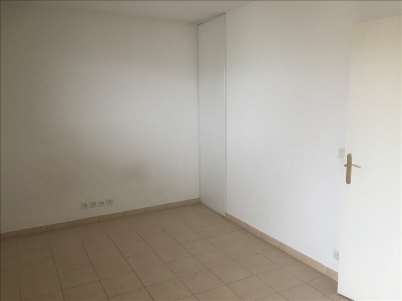 Investment property apartment Carrieres sous poissy 115 600€ - Picture 2