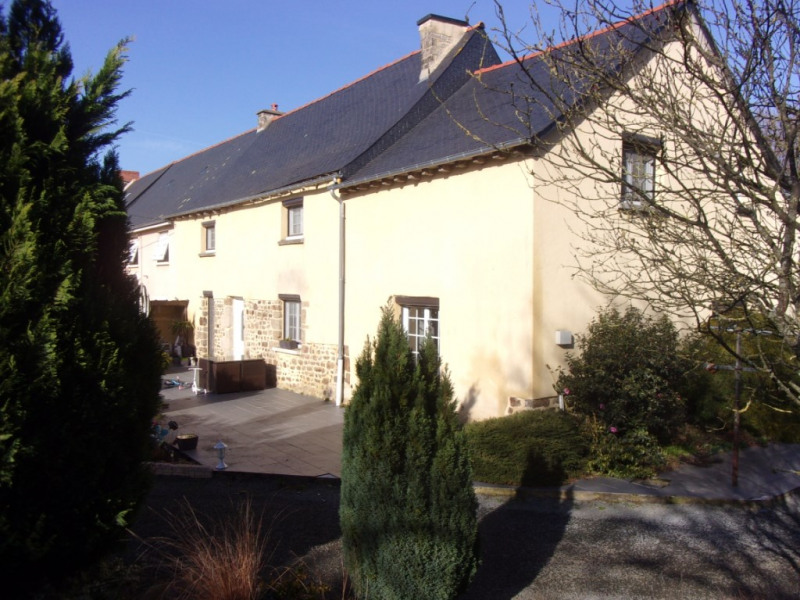 Sale house / villa Becherel 181900€ - Picture 1